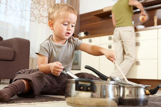 Как избавиться от насекомых на кухне